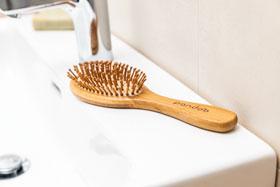 Pandoo Bambus-Haarbürste mit Naturborsten_small03